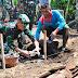 Dandim 0821 Secara Simbolis Pasang Peletakan Batu Pertama Rumah Mbah Mani