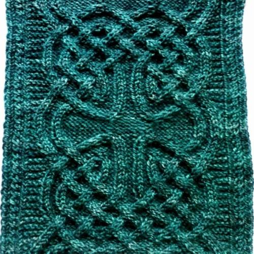 Nennir Cowl - Free Pattern
