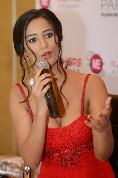 sexiest heroins,hot boobs,sexy boobs,hot heroins,sexy heroins,most hot boobs heroins,most hot boobs pictures,heroin hot pictures,poonam pandey sexy