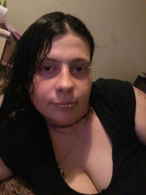 amber finney wanita yang berhubungan seks dengan seekor hewan anjing