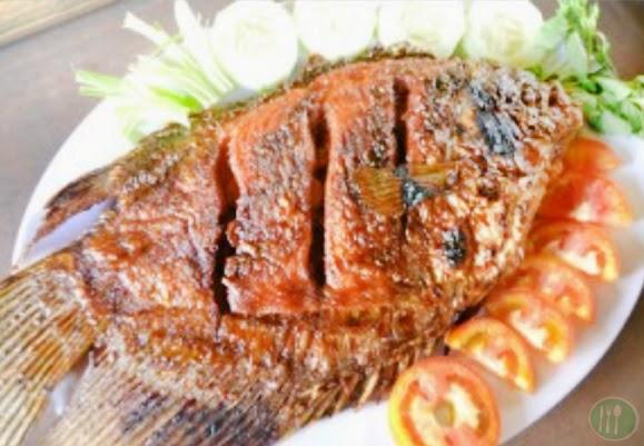 Hari ini adalah postingan pertama yang akan membahas tentang menu masakan yang terbuat da Resep Masakan Gurame Bakar Bumbu Rujak