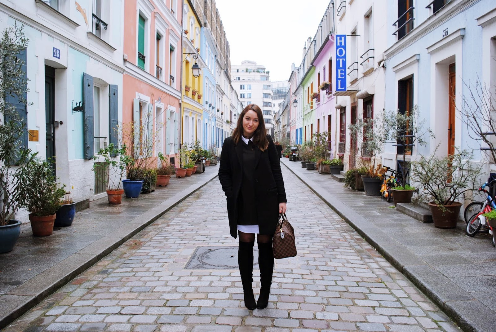 Rue Crémeux Paris Look Street style Zara H&m Louis Vuitton Rita in Palma