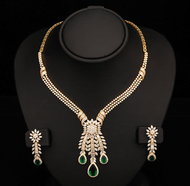 34 Grams Unique Diamond Set: Indian Jewellery And Clothing