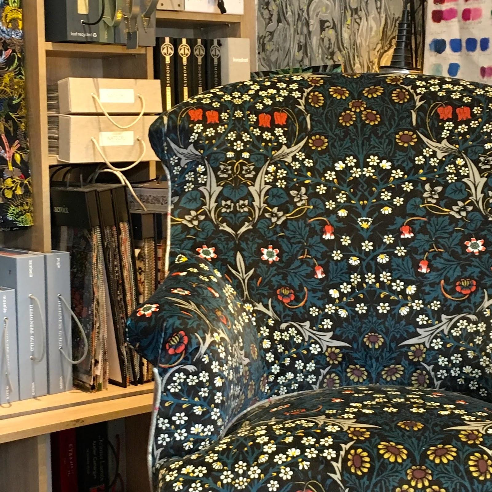atelier anne lavit artisan tapissier d corateur 69007 lyon crapaud en laine velours. Black Bedroom Furniture Sets. Home Design Ideas