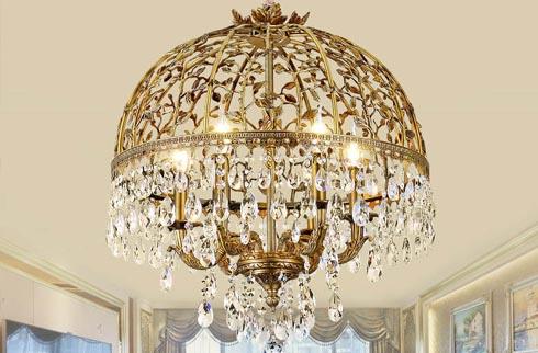 Tìm hiểu đôi nét về đèn chùm trang trí nhập khẩu hiện nay