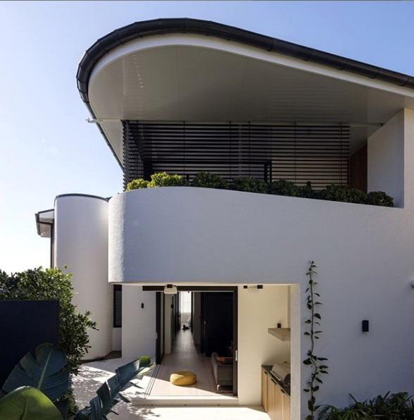 rumah minimalis curva dan setengah lingkaran