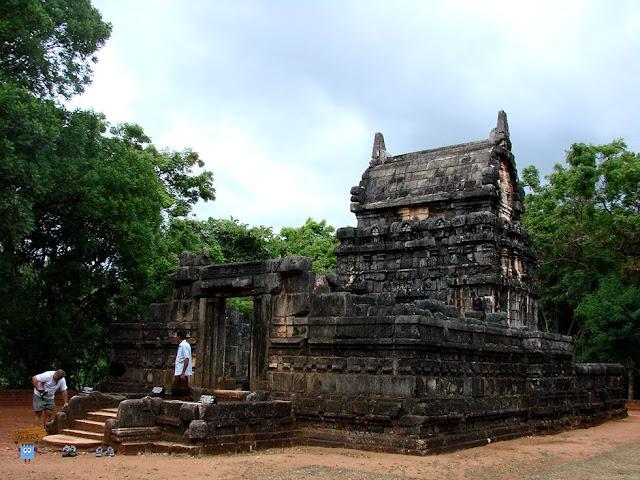 Nalanda Gedide Temple - Sri Lanka