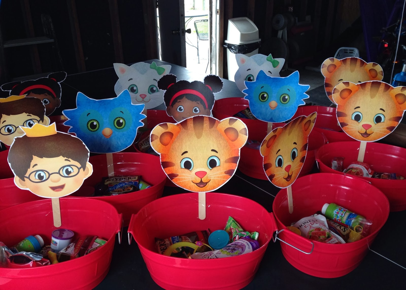 Project Randi Daniel Tiger Birthday Cake