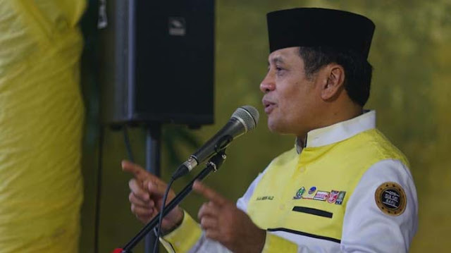 NH-Aziz Bakal Ajak Dennis Wise Bina Atlet Sepakbola Muda di Sulsel