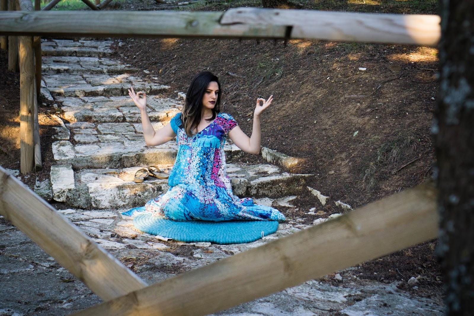 I tappeti fatti a mano in modo sostenibile di Sukhi e la mia voglia di fare yoga ovunque.