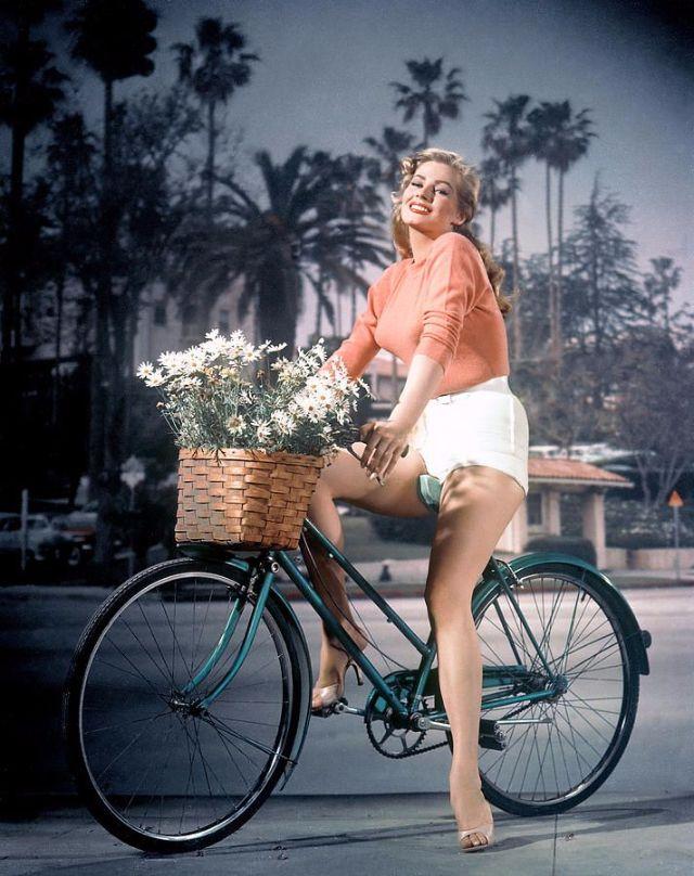 GRETCHEN: All My Best Anita Blond