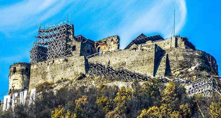 Cetatea Devei pe timpul restaurării