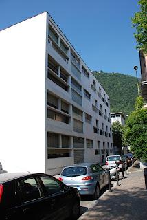 side façade, Casa del Fascio, Como - Giuseppe Terragni