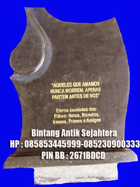 Batu Nisan Makam Antik