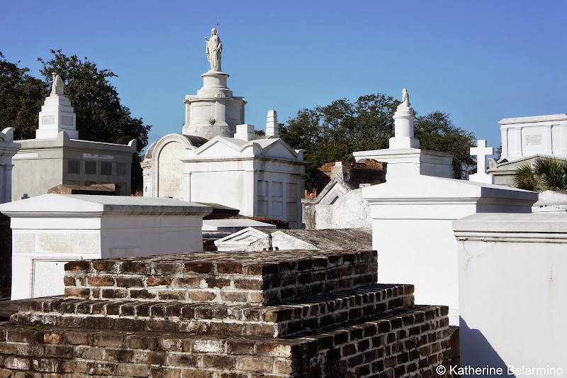 St. Louis Cemetery No. 1 Walking Tour New Orleans