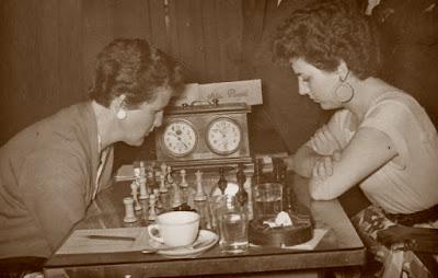 Partida Cifuentes-Puget del IV Campeonato de España de Ajedrez Femenino Valencia 1955
