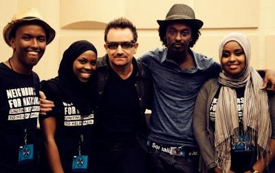Bono en Minnesota con representantes somalies