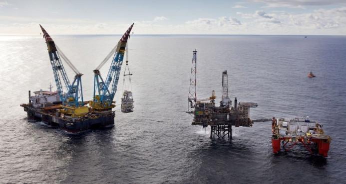 El petróleo de Texas baja un 1,11 % y cierra en 51,56 dólares