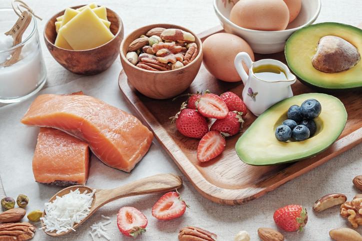 ¿es una dieta alta en grasas?