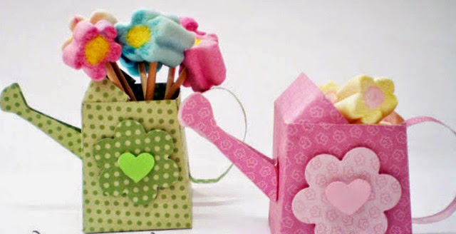 Caja Regadera con Flores para Imprimir Gratis.
