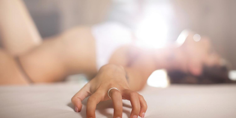Реальный оргазм малышка, Судорожный оргазм, оргазм до дрожи: Порно студентов 11 фотография