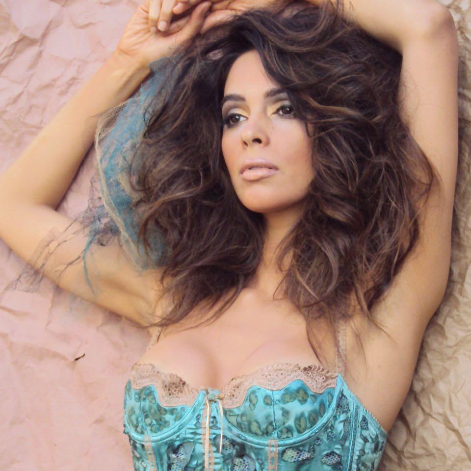 Mallika Sherawat Hot Photos Sexy Images - Actress World-7093