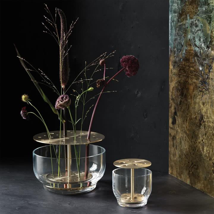 Jak zaaranżować kwiaty w wazonie?