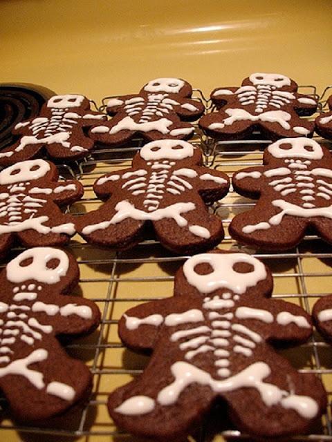 декор блюд на Хэллоуин, рецепты на Хэллоуин, Хэллоуин, праздничные блюда на Хэллоуин, рецепты,,Hallows' Eve, All Saints' Eve, на Хэллоуин, идеи на Хэллоуин, еда на Хэллоуин, печенье на Хэллоуин, печенье, печенье-скелеты, печенье с глазурью, к чаю, выпечка, выпечка праздничная, выпечка с глазурью, выпечка на Хэллоуин,