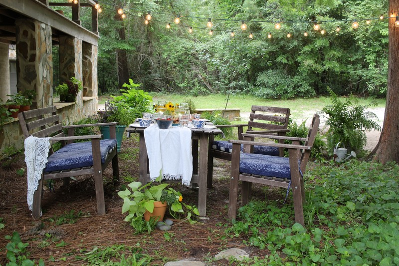 Summer boho alfresco dining in the garden