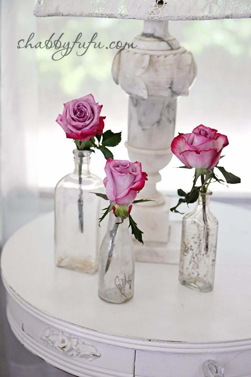 five minute design tips - pink roses in crystal vases