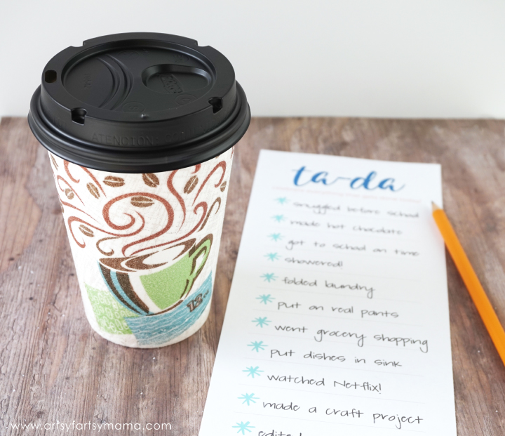 DIY Ta-Da List Notepad with Free Printable at artsyfartsymama.com #CupForCrushingIt