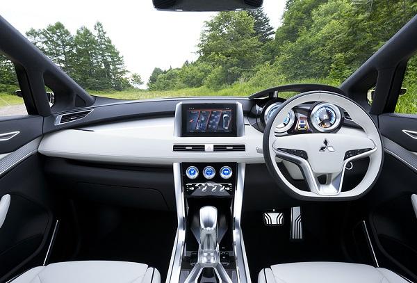 interior mobil mitsubishi xm
