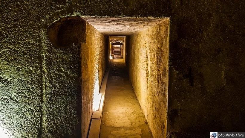 Interior da pirâmide de Miquerinos - Pirâmides do Egito por dentro: saiba como visitar