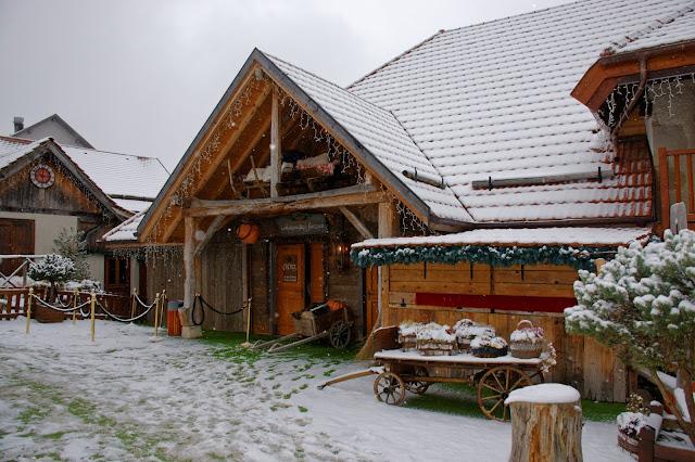 https://ldmailys.blogspot.com/2018/08/le-hameau-du-pere-noel.html