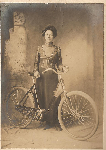 vintage photos of ladies with bicycles vintage everyday. Black Bedroom Furniture Sets. Home Design Ideas