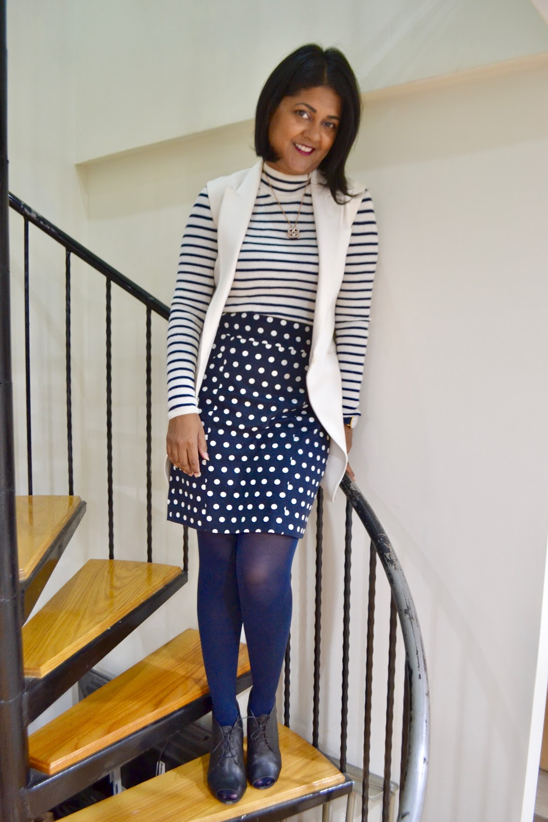 Navy tights to wear in the fall