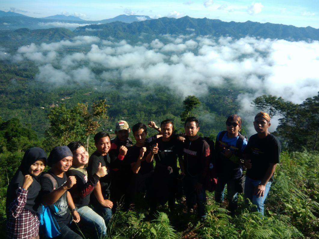 Puncak Gunung Tamiangan Bak 'Negeri Diatas Awan'