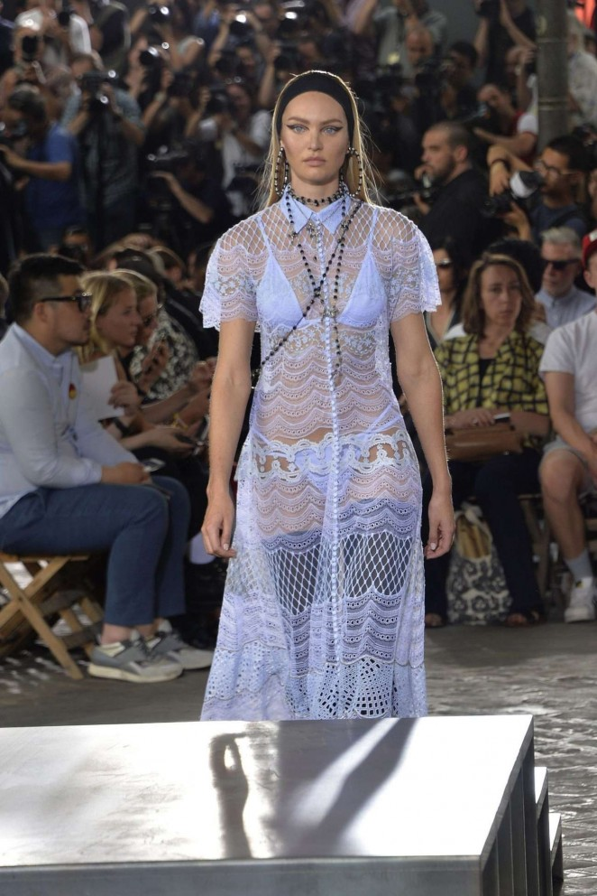 Candice Swanepoel walks the Givenchy Spring/Summer 2016 Paris Men's Fashion Week Show