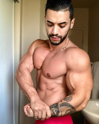 Hot Bodybuilder and Underwear Actor and Model Arad Winwin