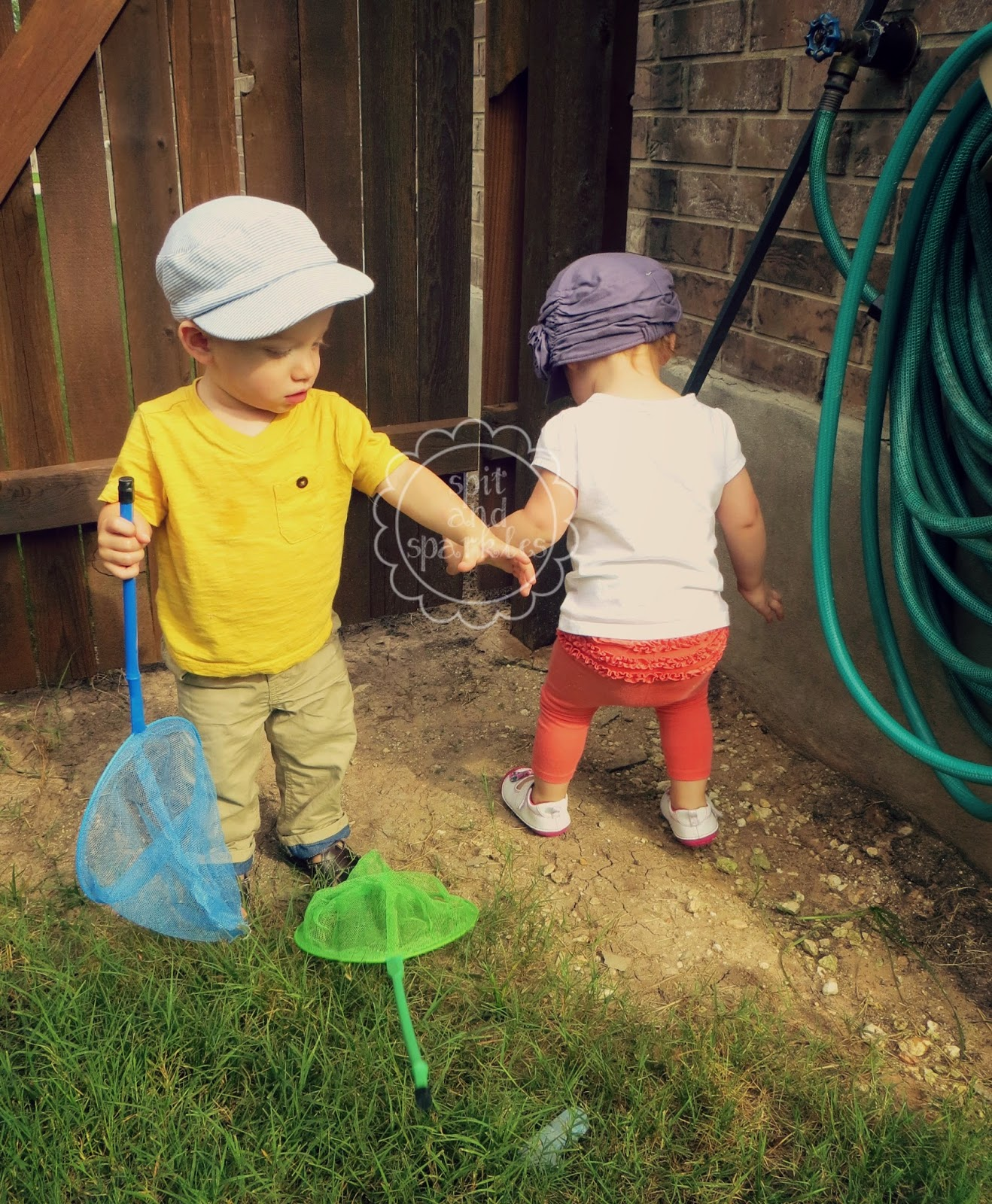 Tot School activities for science and outdoor learning. #totschool #outsidefun #toddlers #bugs