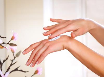 cách làm trắng da tay tự nhiên 4
