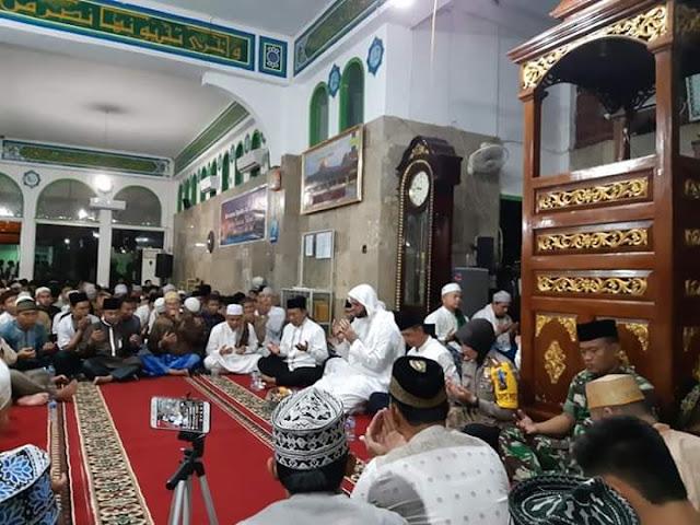 Ribuan Masyarakat Muba Hadiri Tabligh Akbar Bersama Syeikh Ali Jaber