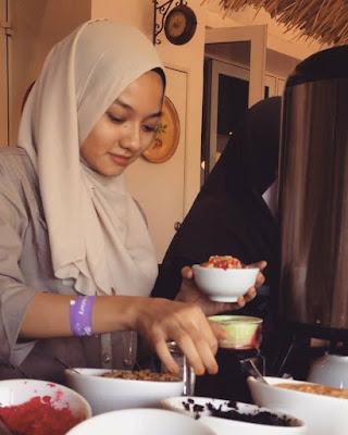 Foto Wanita Melayu Cantik Yang Sangat Mirip Dengan Neelofa | liataja.com