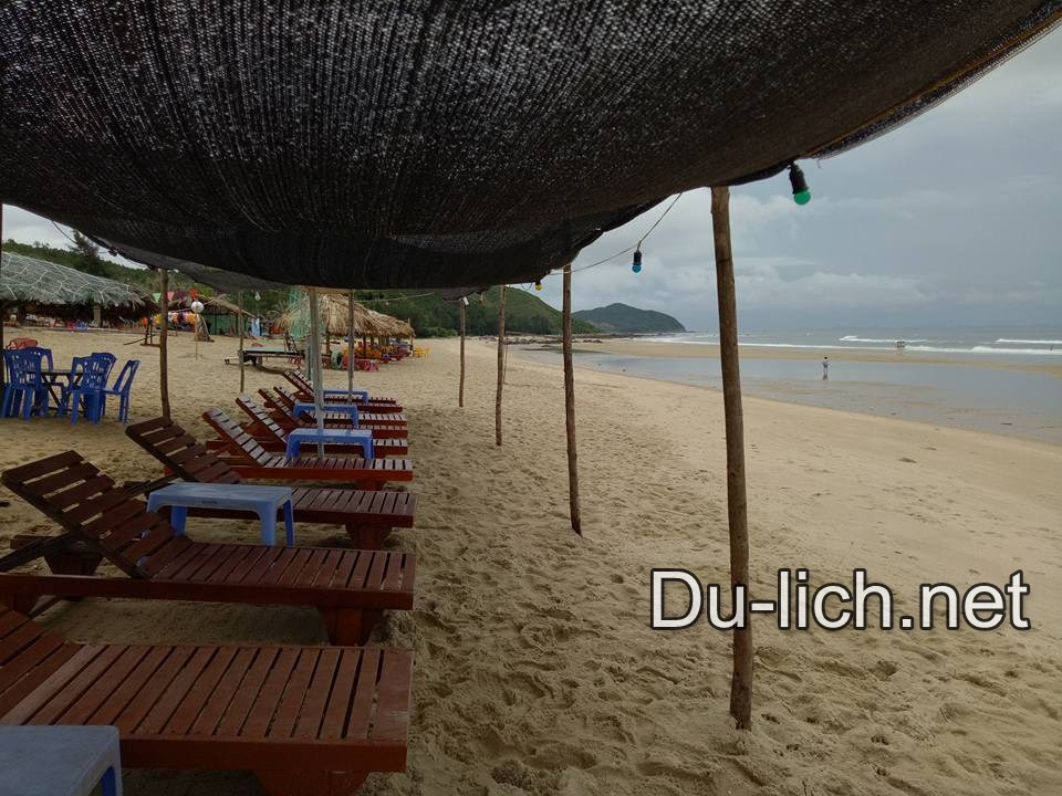 Bãi biển Quan Lạn là một trong những bãi biển đẹp nhất miền Bắc