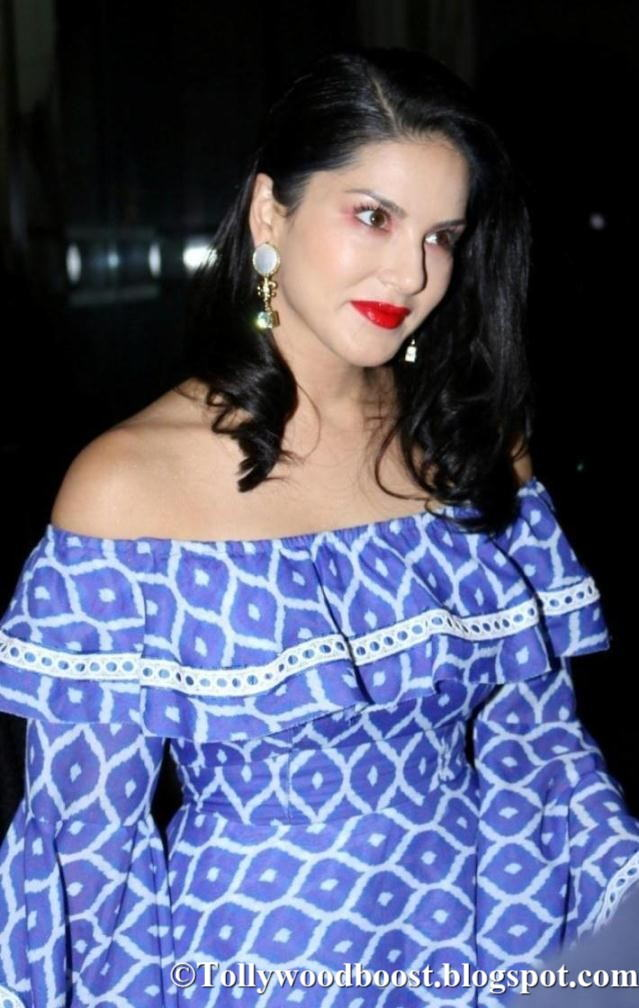 Model Sunny Leone Photo Shoot At Fashion Show In Blue Dress