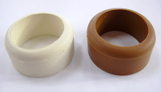 rubber tsubadome used to prevent the tsuba to slide off the bokken.
