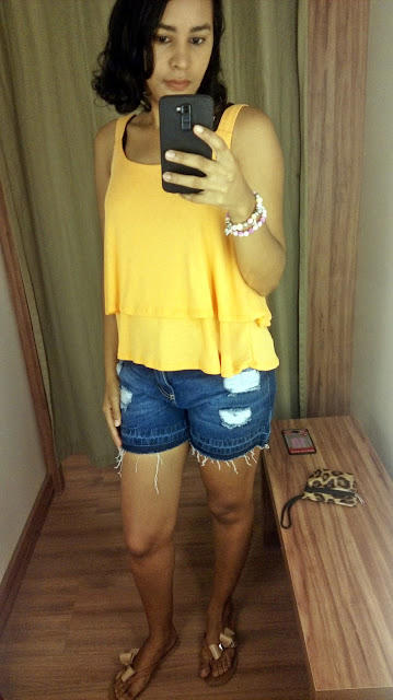 Garimpo Natal e Réveillon: Renner Shopping da Bahia short jeans e blusa amarela