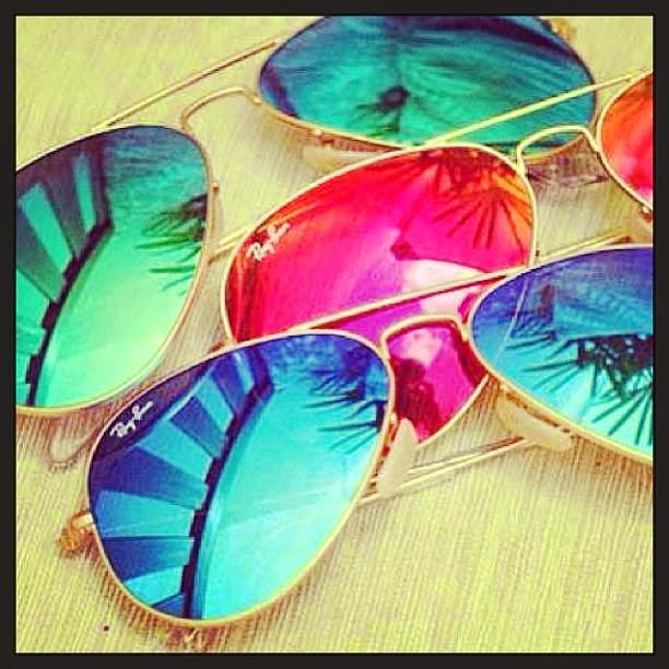 67d7da4eb Para adquirir algum Ray-Ban colorido, envie um e-mail para  loja@oculoseoculos.com.br