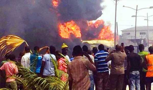 Fire on Ebonyi Government House! Survivals blast Government.