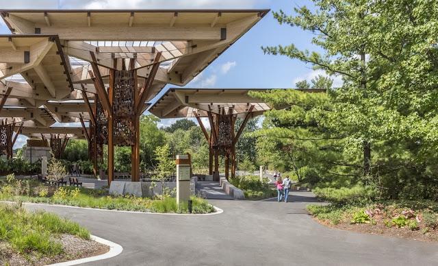 inşaat-noktasi-Indianapolis-Zoo-Bicentennial-Pavilion-and-Promenade-ahsap-hayvanat-bahcesi